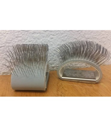 Finger dubbing brush